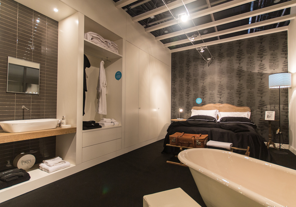 Camera da letto con bagno su misura mobili toson arredamenti su misura vintage country e - Camere da bagno ...