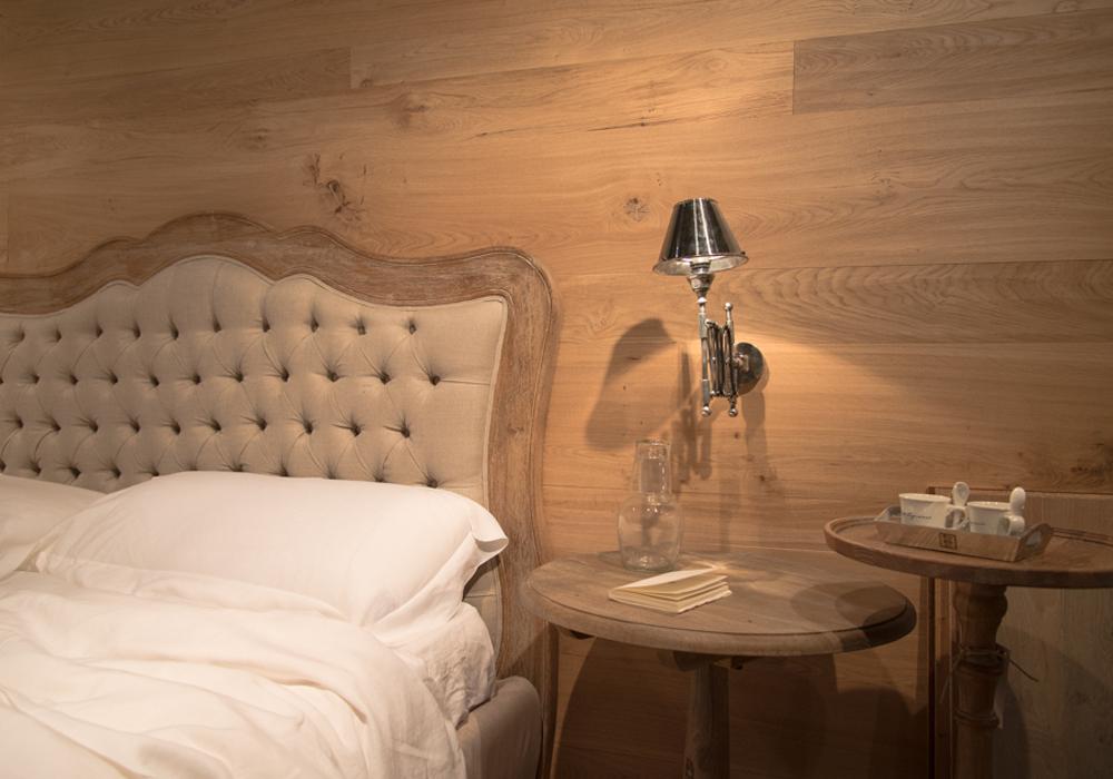 Camera da letto con rivestimento delle pareti in legno - Camera da letto fazzini ...