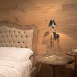 camera-da-letto-con-pareti-in-legno_3